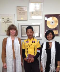 Rinpo Yak with Amnesty International HQ officials (Wednesday 7th August)